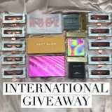 Win a Synthetic Eyelashes and Eyeshadow Pallete